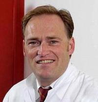 Маммолог, онколог, пластический хирург, доктор медицинских наук Йорг Фальбреде