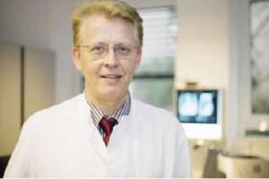 Руководитель пульмонологического центра – профессор, доктор медицинских наук КУРТ РАШЕ
