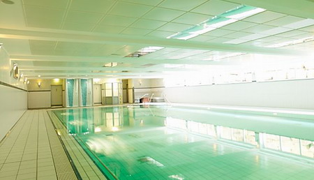 Бассейн реабилитационной урологической клиники Kurpark - Германия - (495)585-92-41
