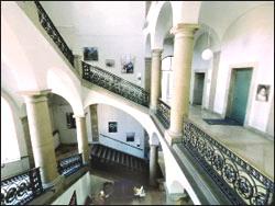 КАРДИОЛОГИЧЕСКИЙ ЦЕНТР - БЕРЛИН - Центральная лестница Центра