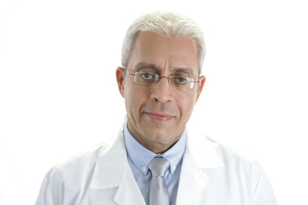 Доктор Аарон Амир - пластический и реконструктивный хирург