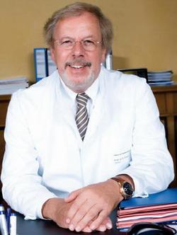 Руководитель онкологического центра Бад-Триссль профессор, доктор мед. наук Клаус Фризе